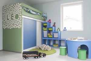 Lastenhuoneiden vuoderatkaisut ovat perheen omaa suunnittelua.